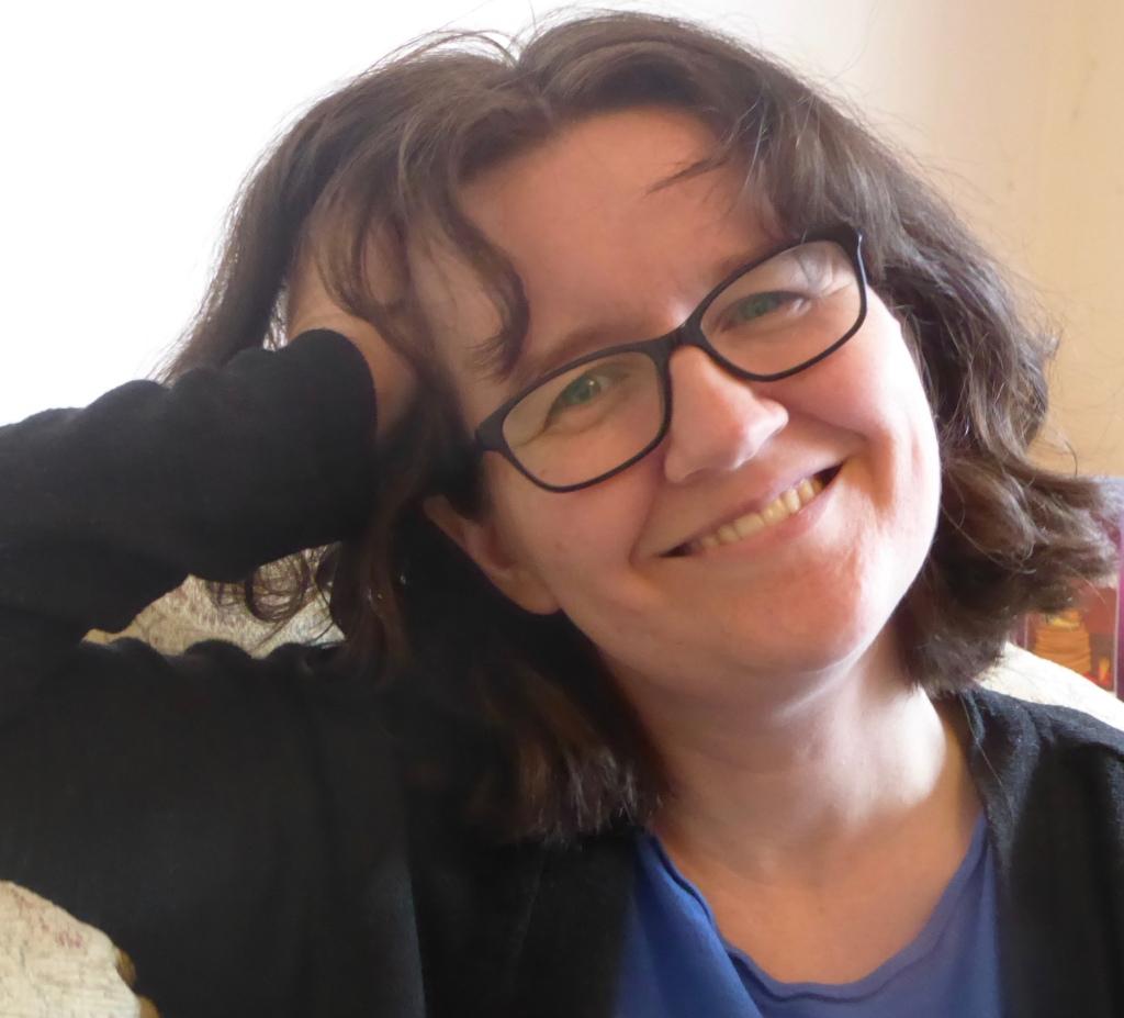 Author Photo - Stephanie Burgis